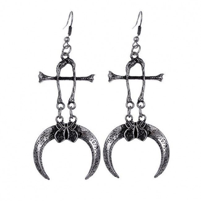 Restyle-Claws and Bones Earrings