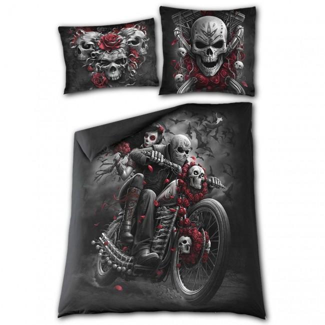 Spiral Direct-Skulls N Roses Double Bedding Set
