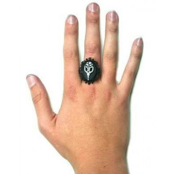 Too Fast-Crow Skull Cameo Ring